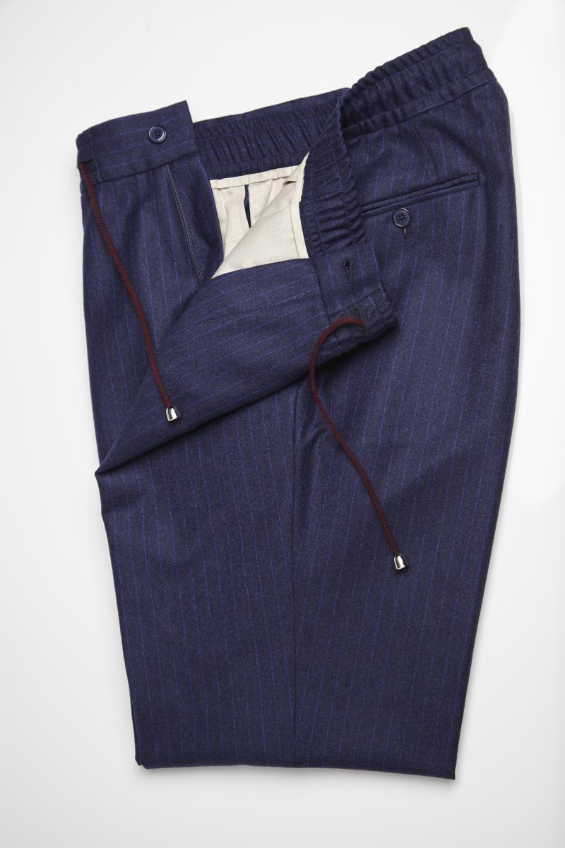 Le pantalon mesure version sport chic